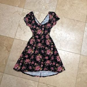 Forever 21 floral dress with open cross cut back